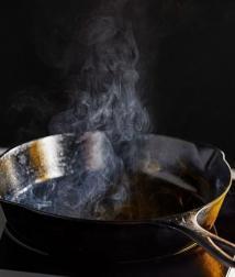 5 thói quen sử dụng dầu ăn khiến gan thận nát bấy, đặc biệt là số 2 nhiều người Việt vẫn làm mỗi ngày